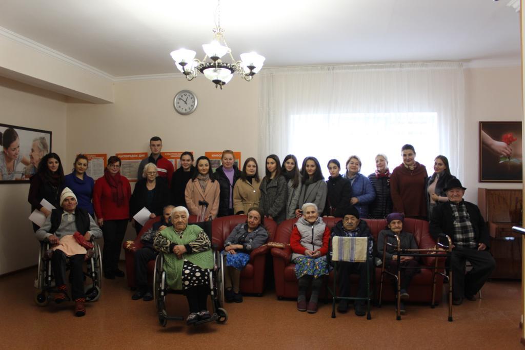 Мероприятия с пожилыми людьми в отделении социального обслуживания на дому